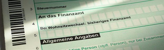 Unterschiede und Gemeinsamkeiten von Steuerberater*innen, Buchhalter*innen und Versicherungsmakler*innen