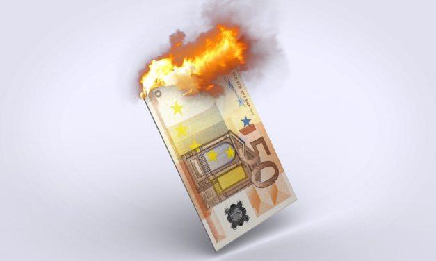 Menschen in Deutschland sparen verstärkt – und mit Verlust